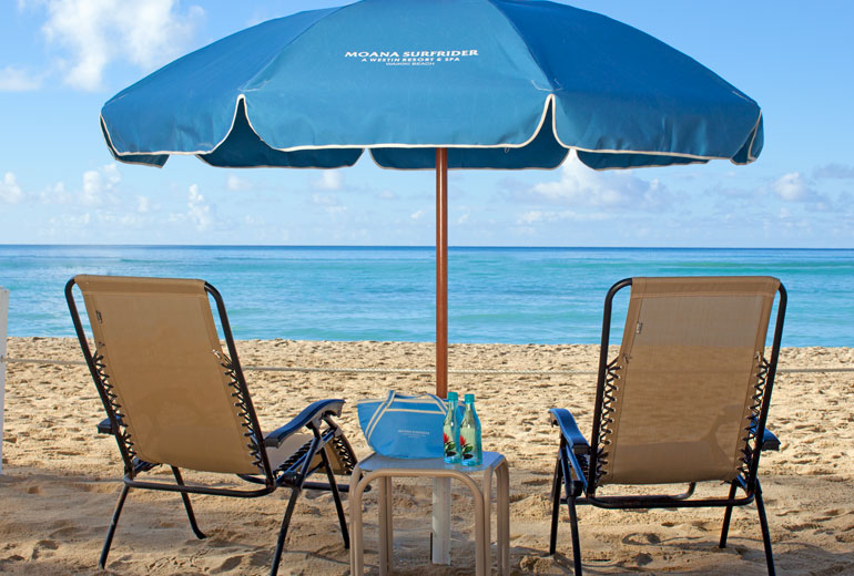 Moana-Surfrider-Beach-Umbrellas