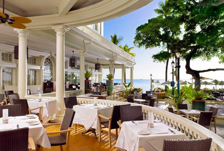 Moana-Surfrider-Restaurant-Balcony-1