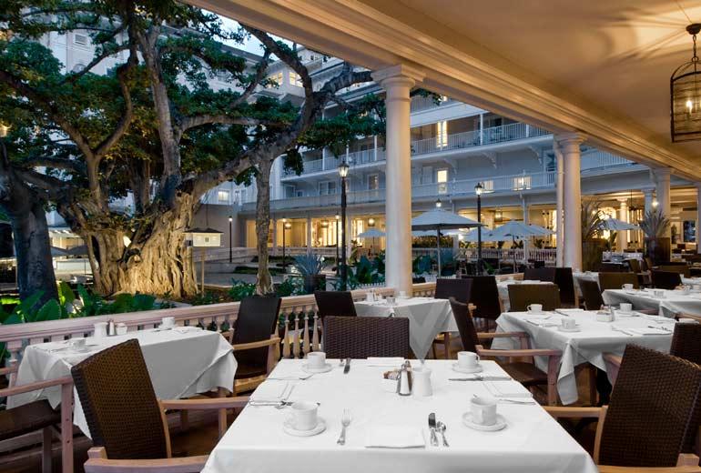 Moana-Surfrider-Restaurant-Balcony-2