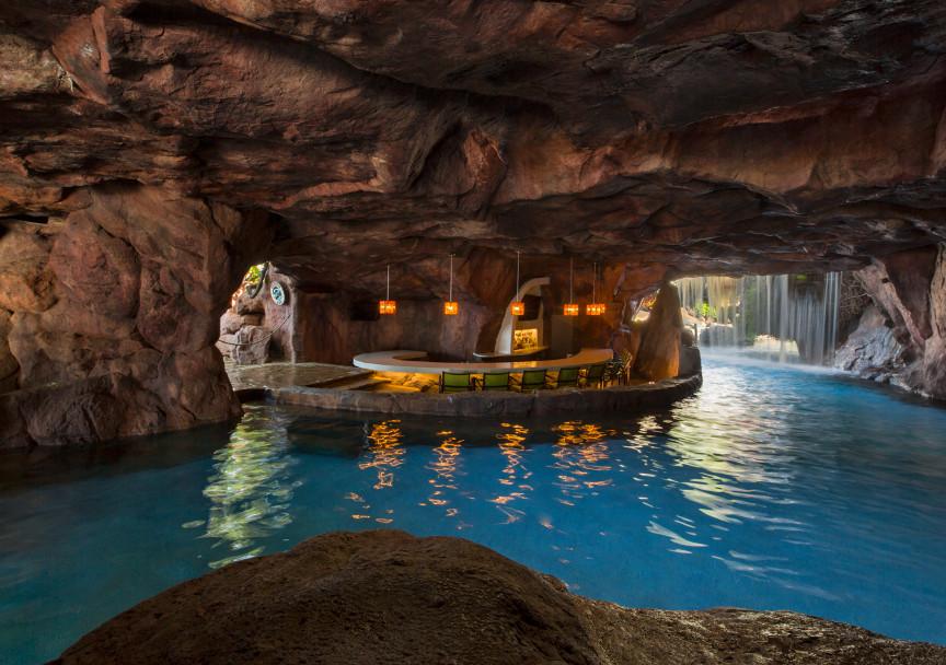 Grotto-Bar-Hyatt-Maui-resized