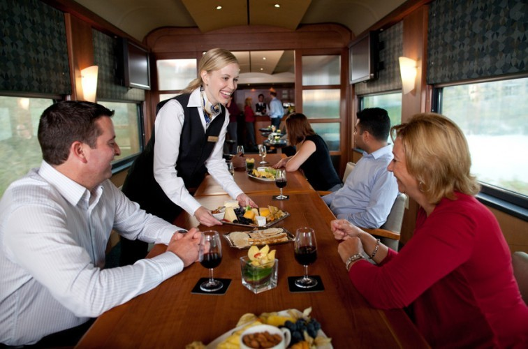 Rocky-Mountaineer-Bar-scaled-e1444357662369