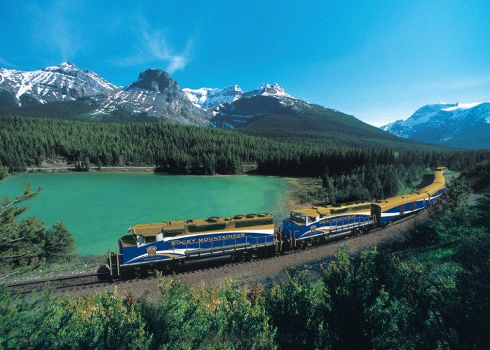 Rocky-Mountaineer-Train-Scenic-scaled-e1444356756270