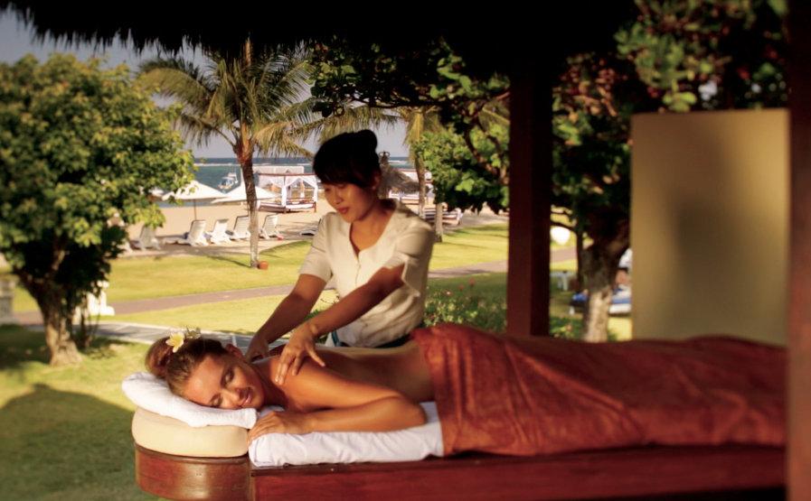 Grand-Mirage-Bali-Beach-Massage