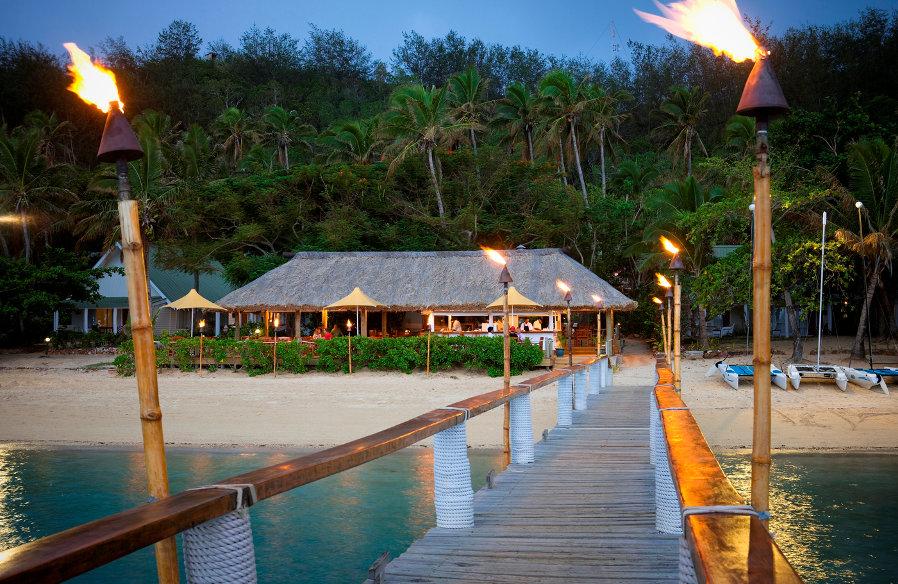 Malolo-beach-bar