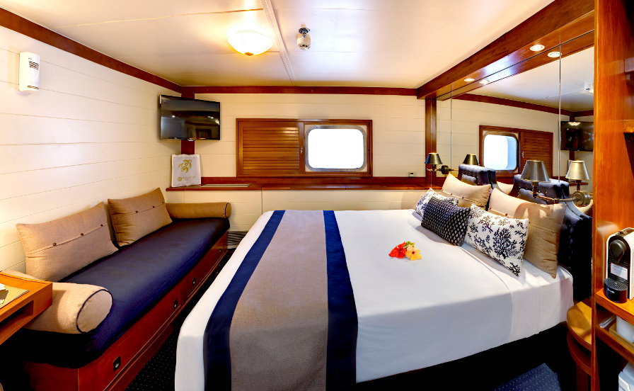 Blue-Lagoon-Double-Cabin