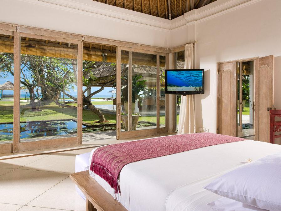 Villa-Atas-Ombak-Seminyak-Bedroom-View