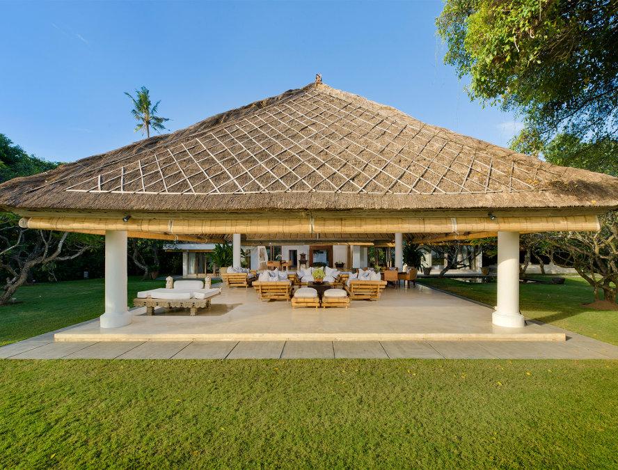 Villa-Atas-Ombak-Seminyak-Outside-Living