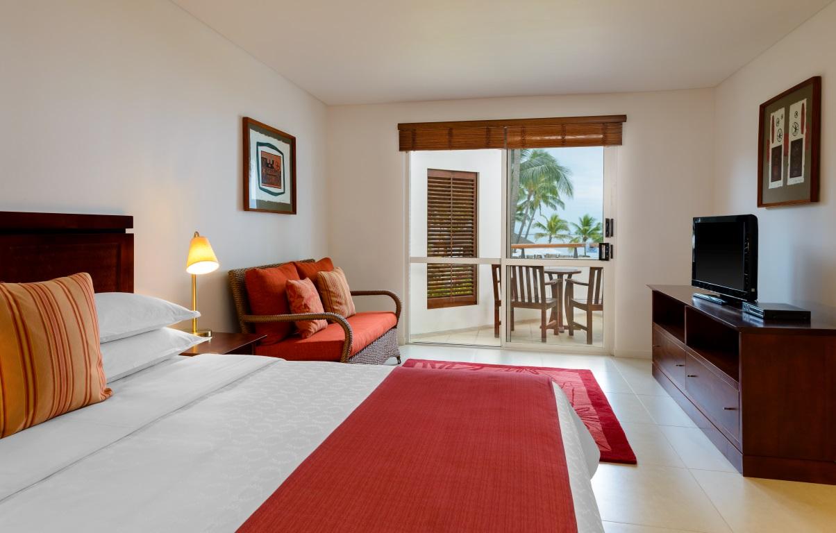Sheraton-Villas-Fiji-King-Bedroom