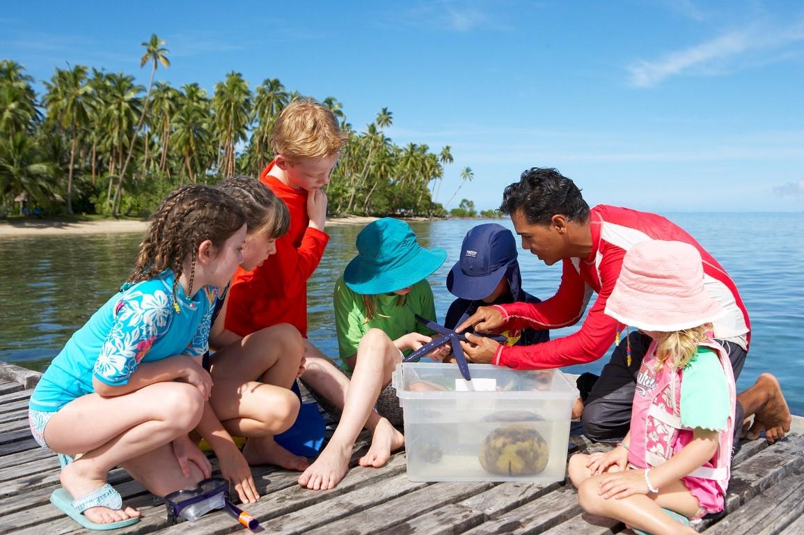 Jean-Michel-Cousteau-kids-starfish