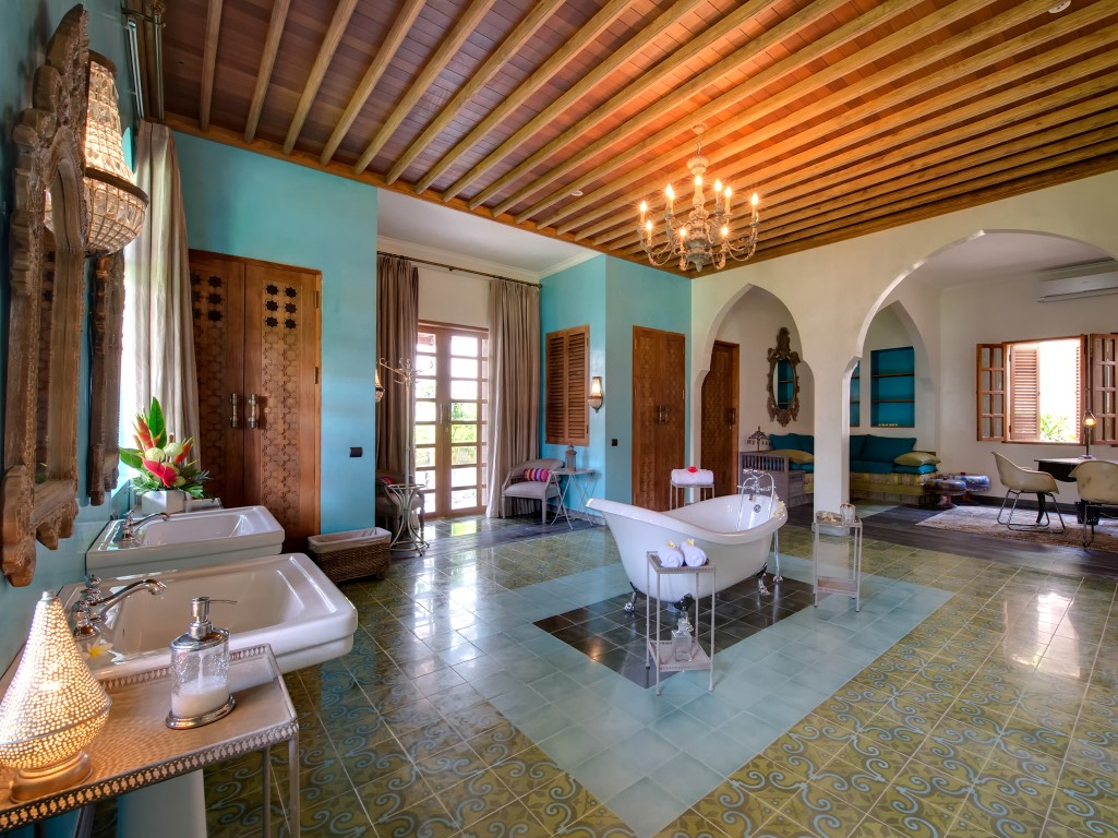 Villa-Sayang-dAmour-Sensation-bathroom-2