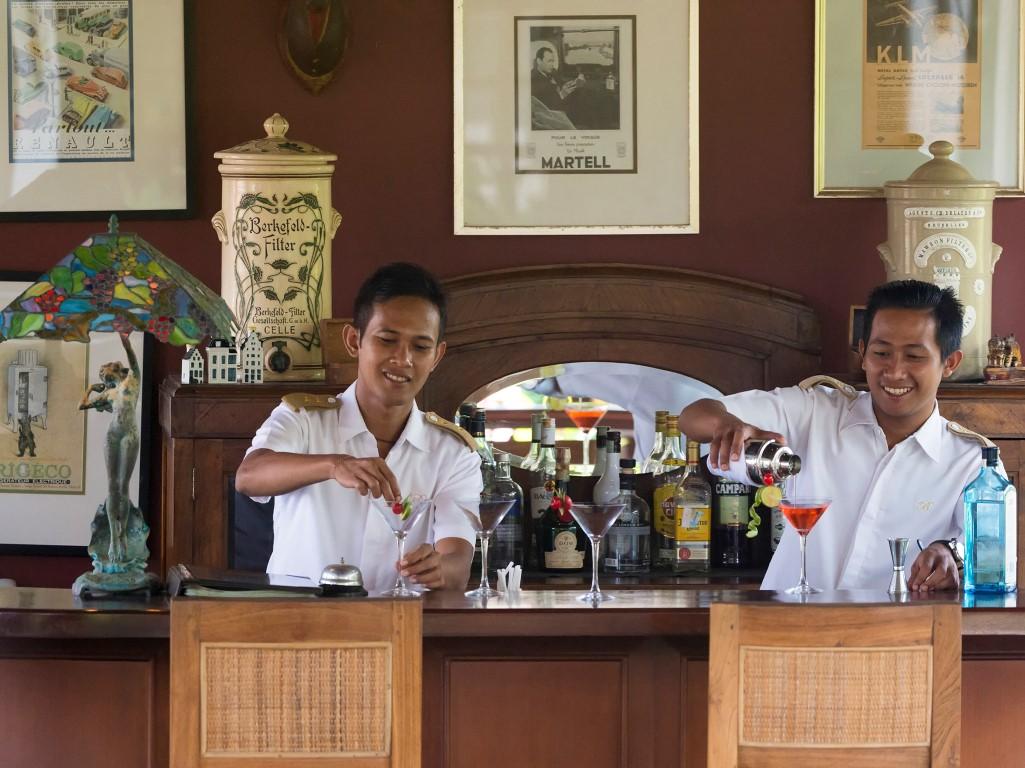 Villa-Batavia-Bartenders