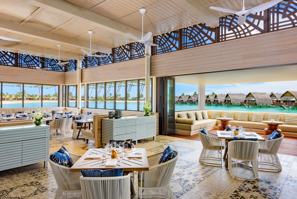Momi-Bay-lagoon-house-restaurant