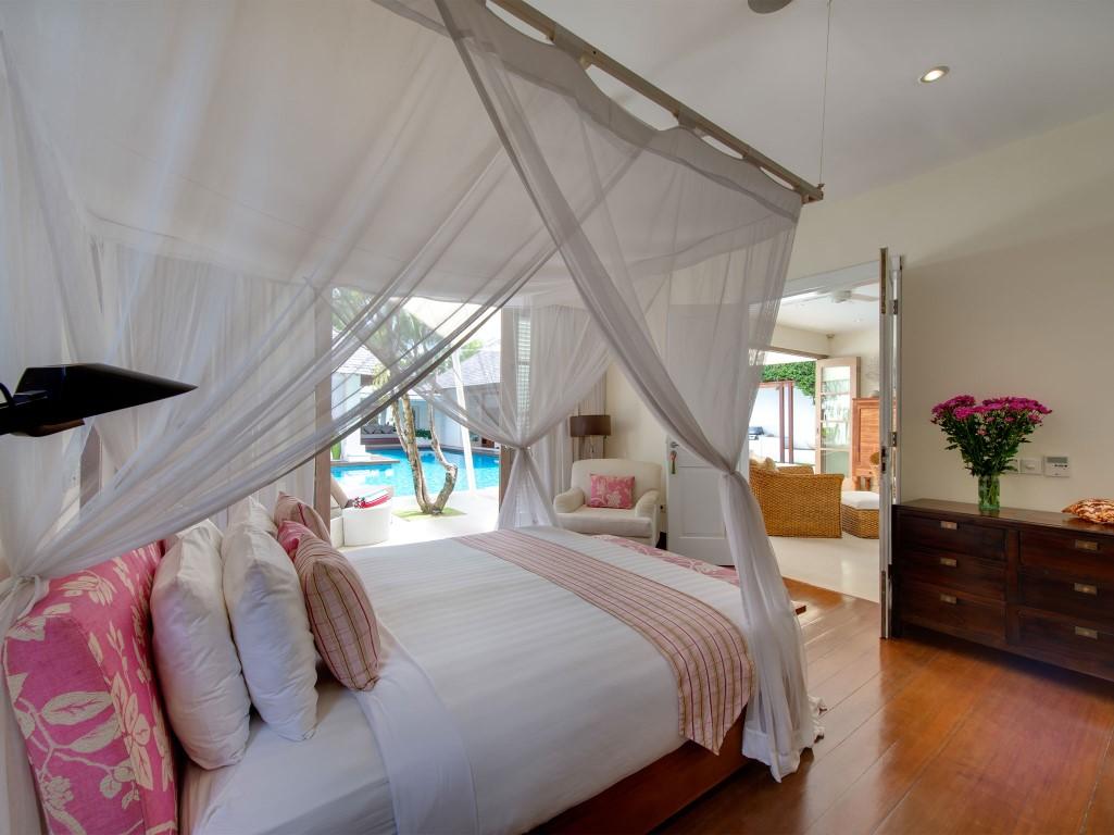 Villa-Jajaliluna-downstairs-guest-room