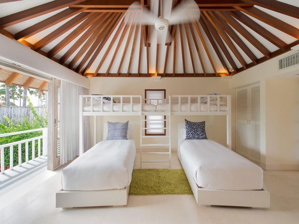 Villa-Jajaliluna-upstairs-childrens-room