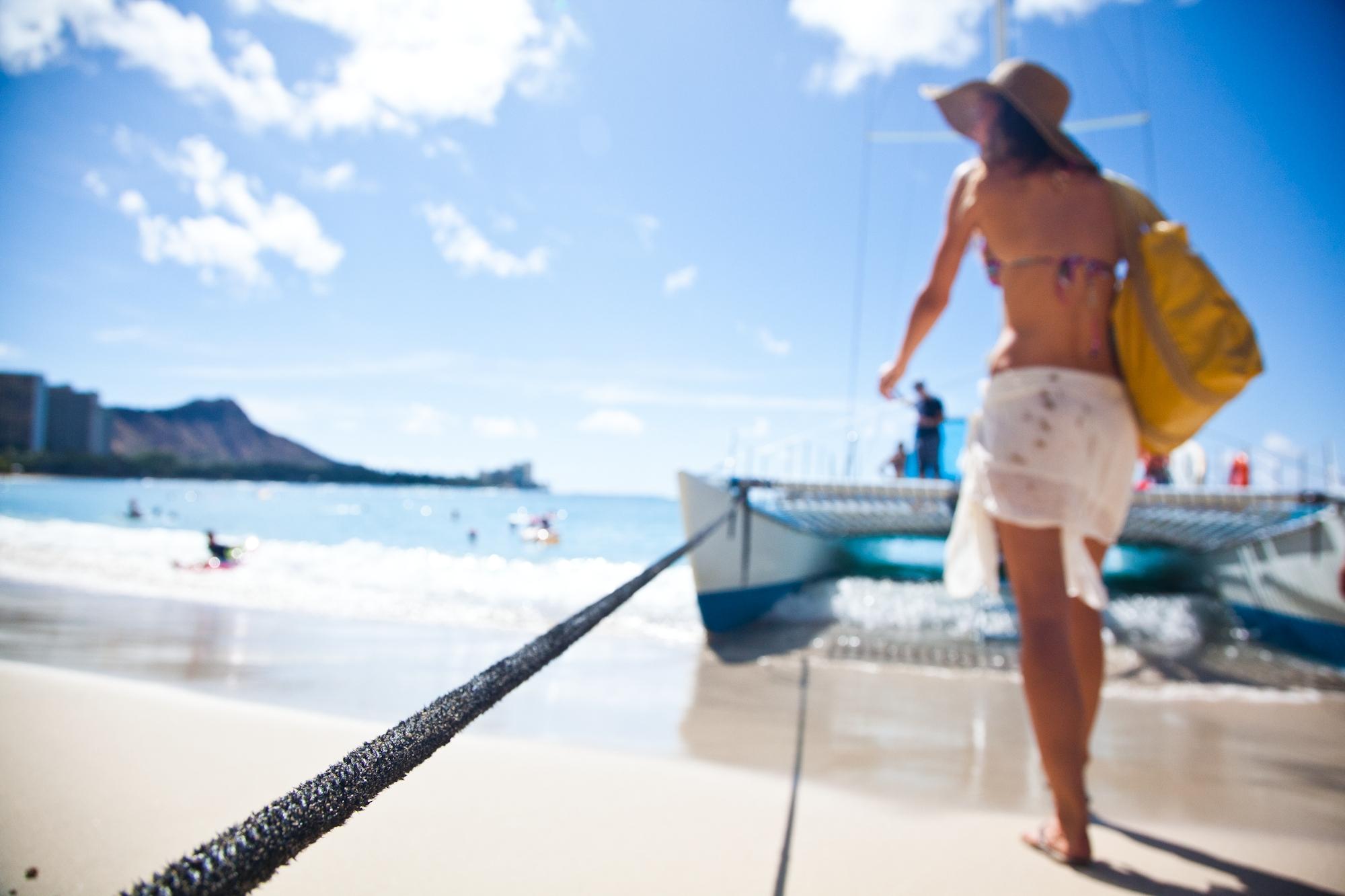 Hawaii-Tourism-Beach-Catamaran