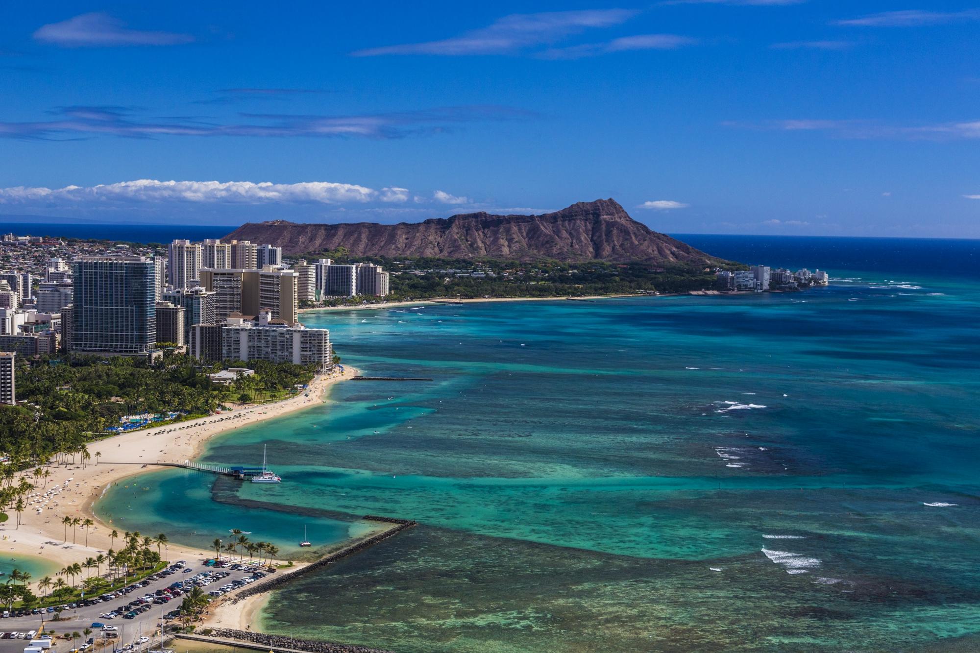 Hawaii-Tourism-Diamond-Head-View