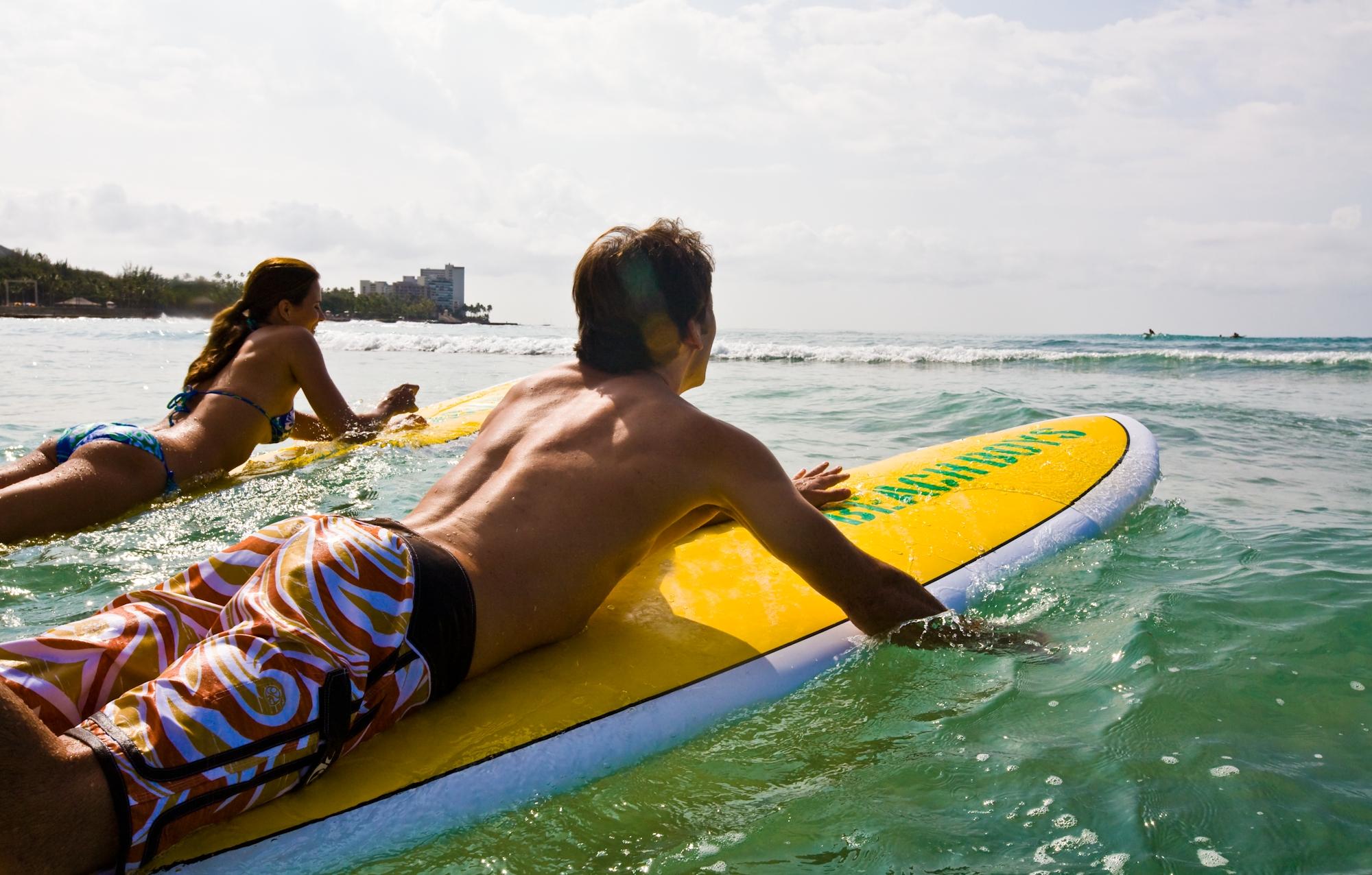 Hawaii-Tourism-Kids-Surfing
