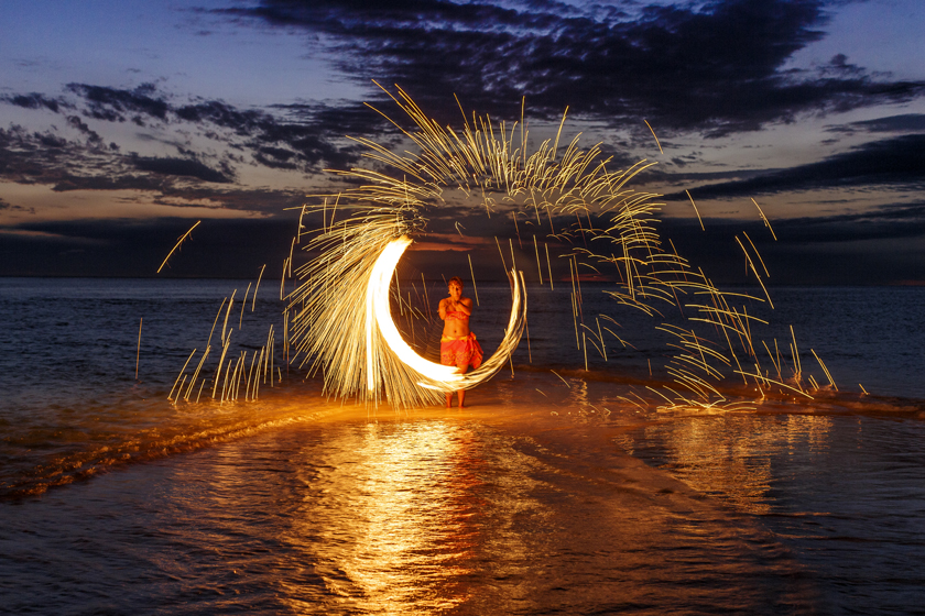 Intercontinental-Fiji-Fire-Show