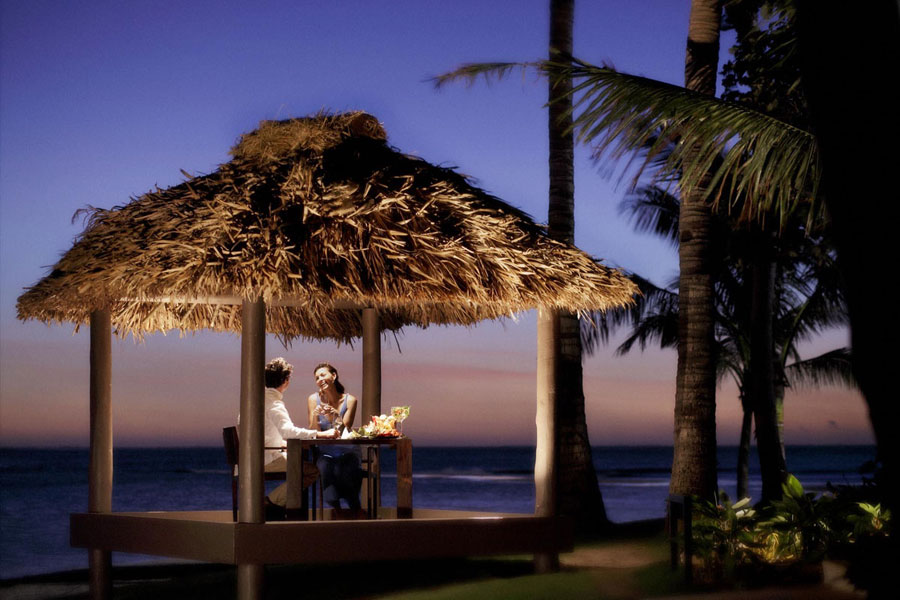 Intercontinental-Fiji-Romantic-Dinner