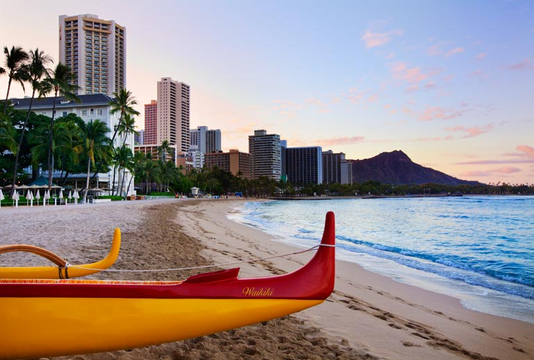 Moana-Surfrider-Canoe-on-Beach