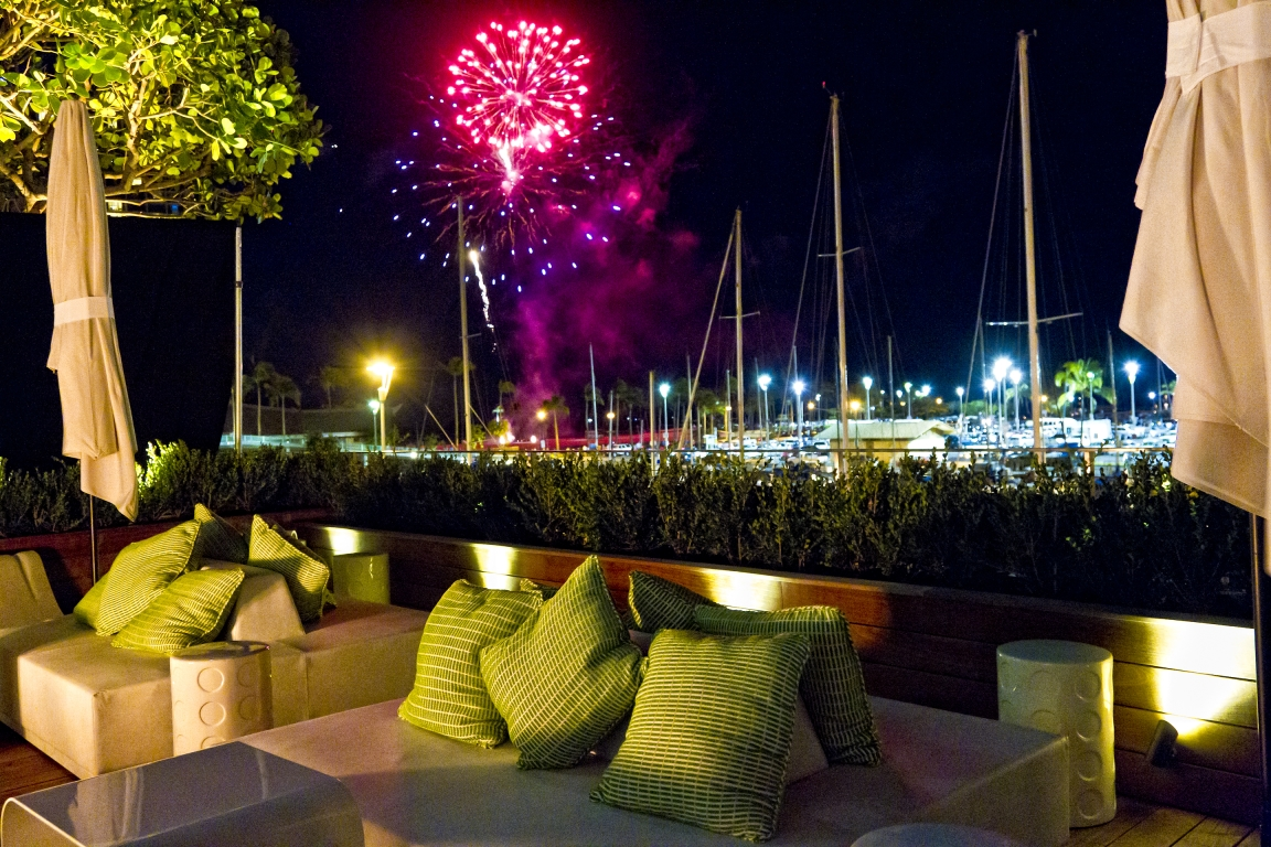The-Modern-Lounge-Fireworks