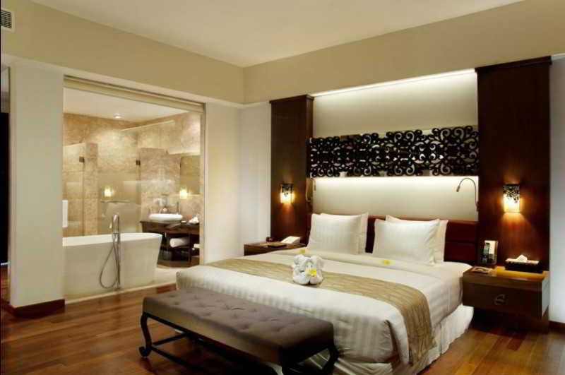 The-Seminyak-Beach-Resort-Spa-Bedroom