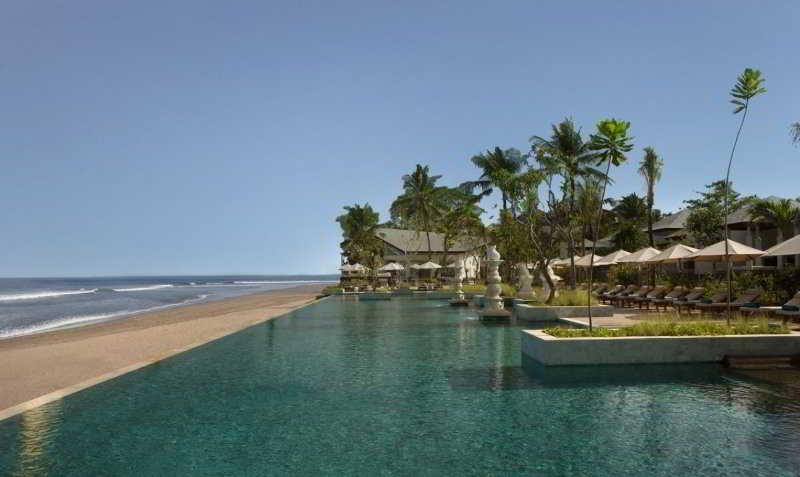 The-Seminyak-Beach-Resort-Spa-Pool-Beach