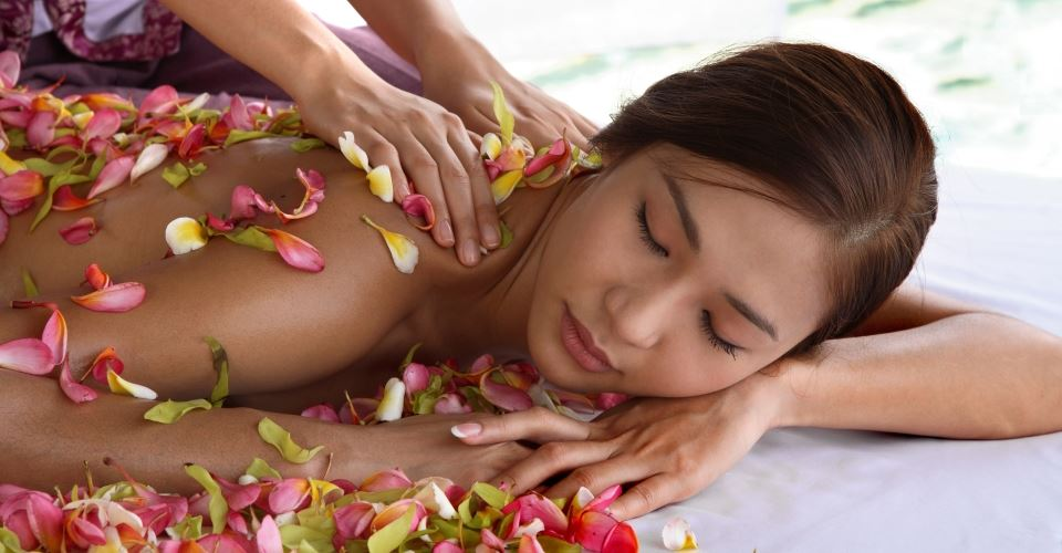 Flower-Petal-Massage