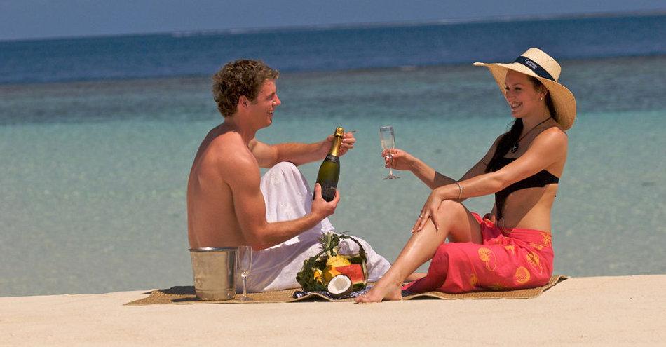 Castaway-Romantic-Couple-on-Beach