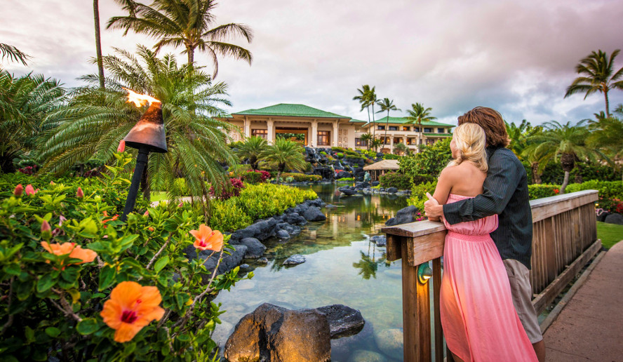 Couple-Grand-Hyatt-Kauai-resized