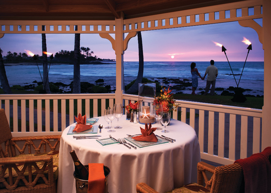 Fairmont-Orchid-Romantic-Dinnerresized