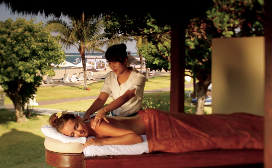 Grand-Mirage-Bali-Beach-Massage