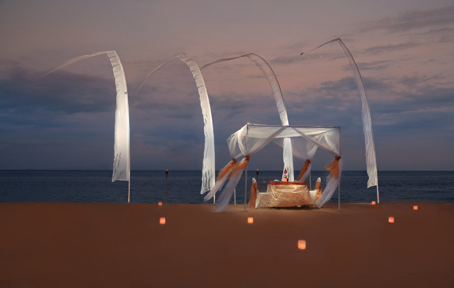 Grand-Mirage-Bali-Romantic-Beach-Dinner