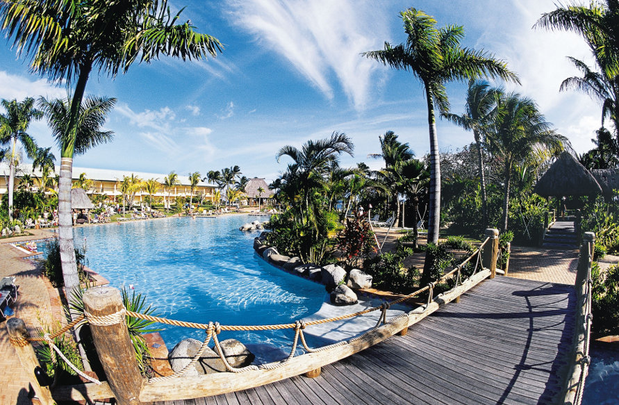 Outrigger-Pool-Surrounds