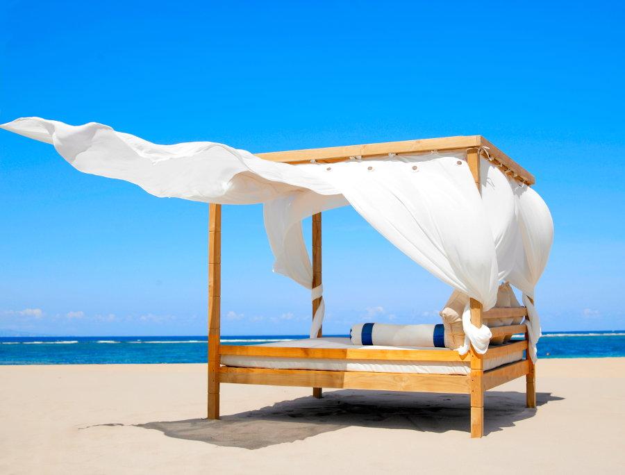 Grand-Mirage-Beach-Cabana