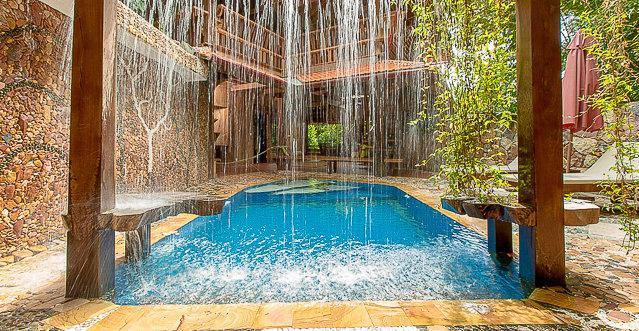 Le-Flamboyant-Private-swiming-pool