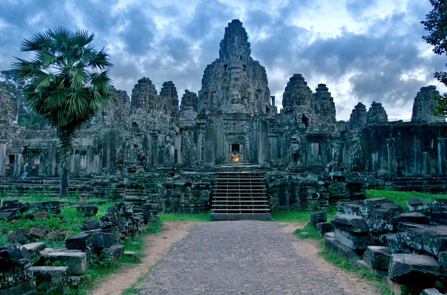 Vast-towers-of-the-Bayon-Temple-Cambodia