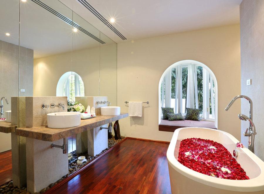 Villa-Amanzi-Phuket-Bathroom