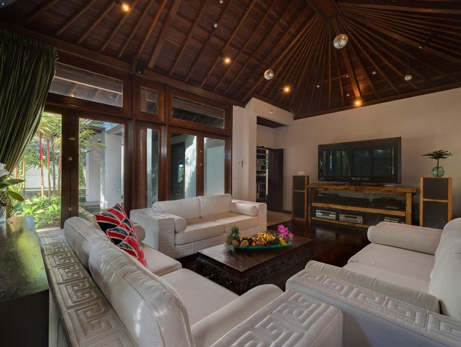 Villa-Manis-Canggu-Bungalow-Sitting-Area