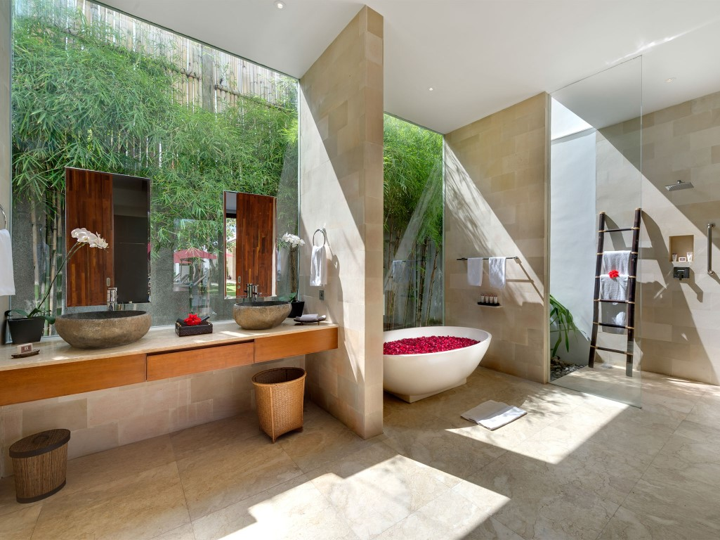Casa-Brio-Master-bathroom