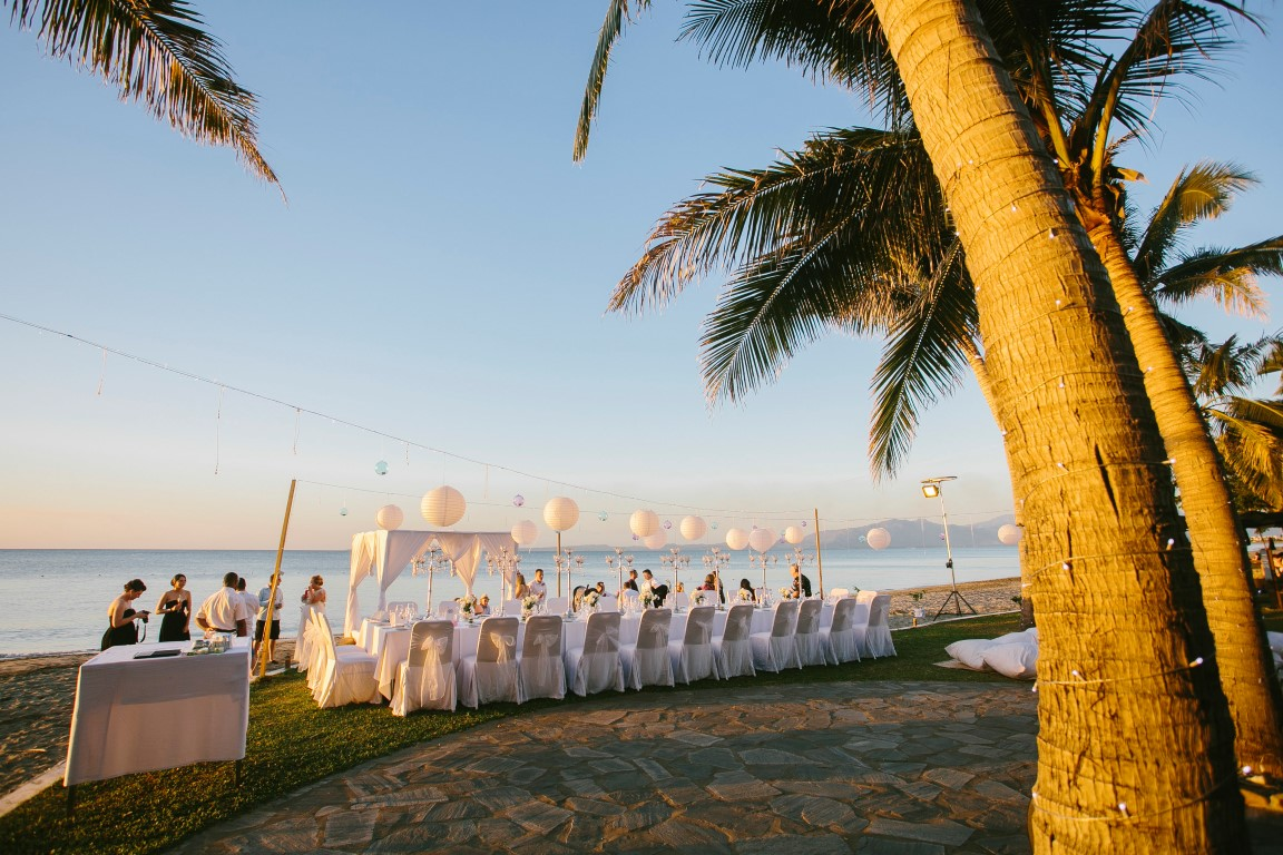 Sofitel-Fiji-Wedding-on-beach