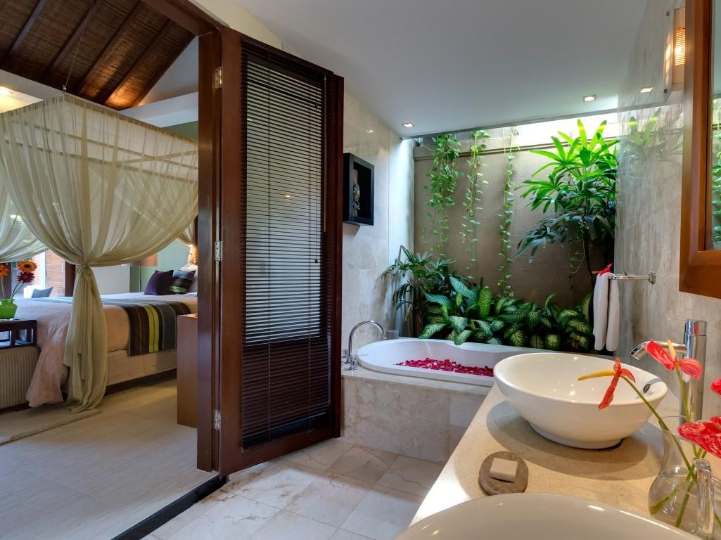 Villa-Kawi-bathroom