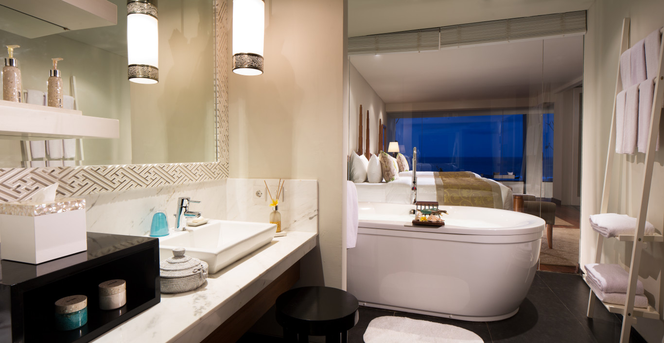 Samabe-Bathroom-Ocean-Front-Family-Suite