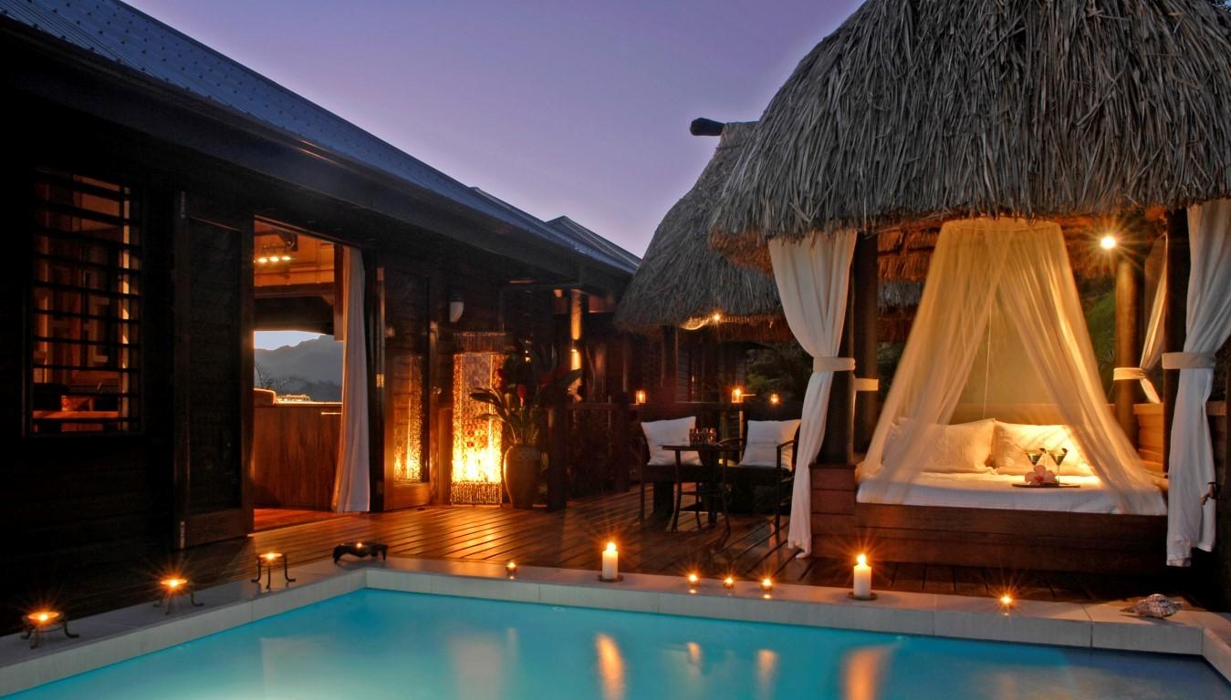 Emaho-Sekawa-pool-and-cabana