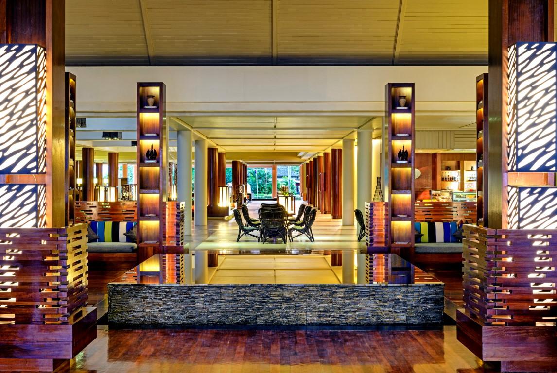 Sheraton-Denarau-Villas-lobby
