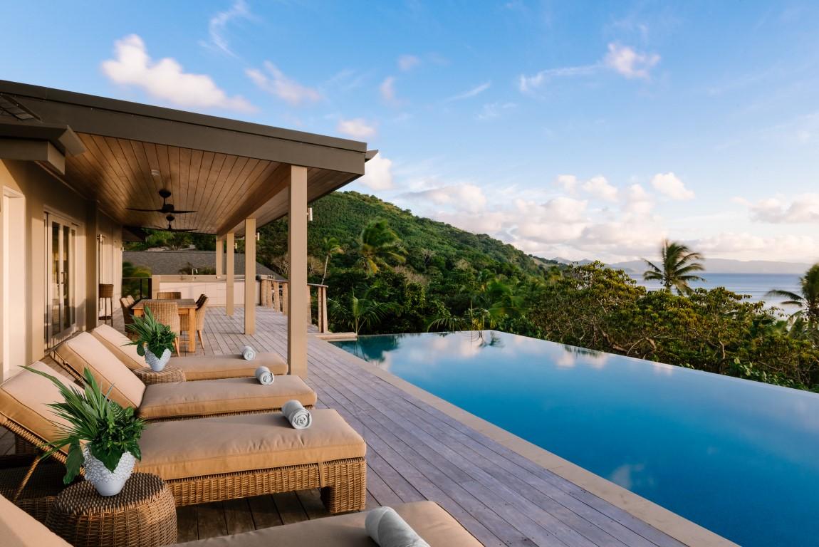 Kokomo-Residence-spectacular-view-poolside