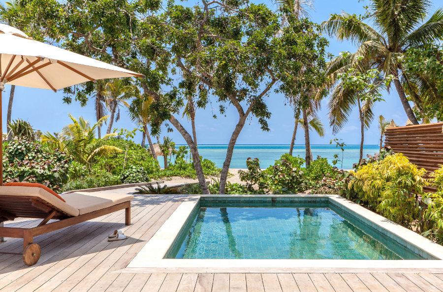 Six-Senses-Fiji-Beachfront-Pool-Villa-deck
