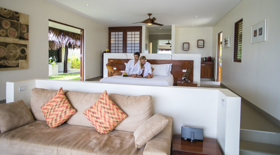 The-Havannah-Vanuatu-couple-bure-e1539750780257