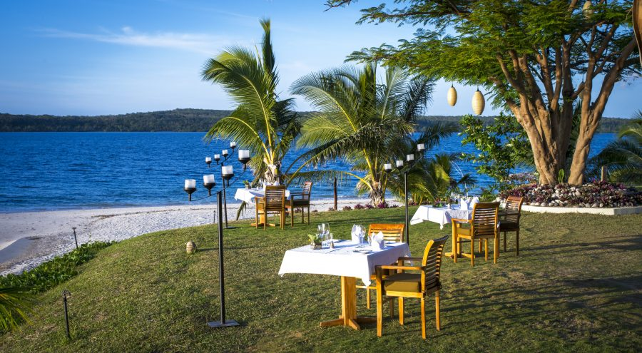 The-Havannah-Vanuatu-dinner-set-up-e1539750668470