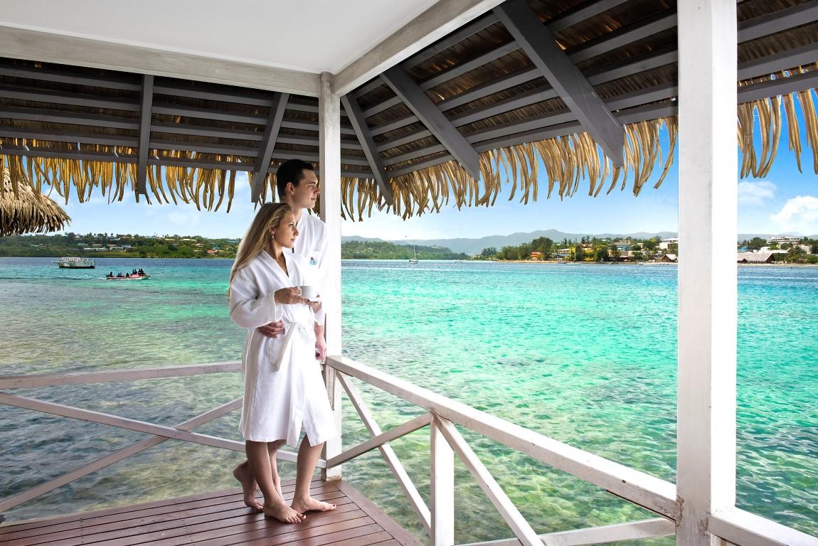 Iririki-Vanuatu-Overwater-Fare-Balcony